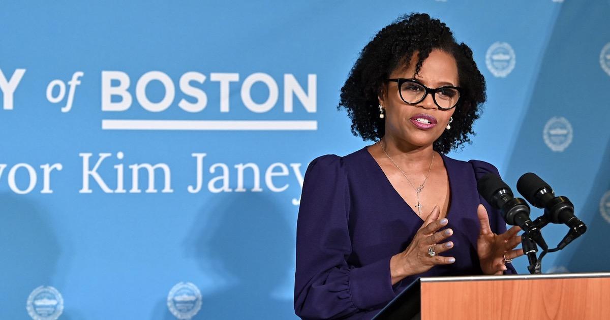 Leftist Mayor Opposes Vaccine Mandates