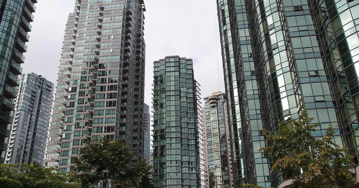 Looting, Lockdowns Lead Business to Flee the Liberal Metropolis
